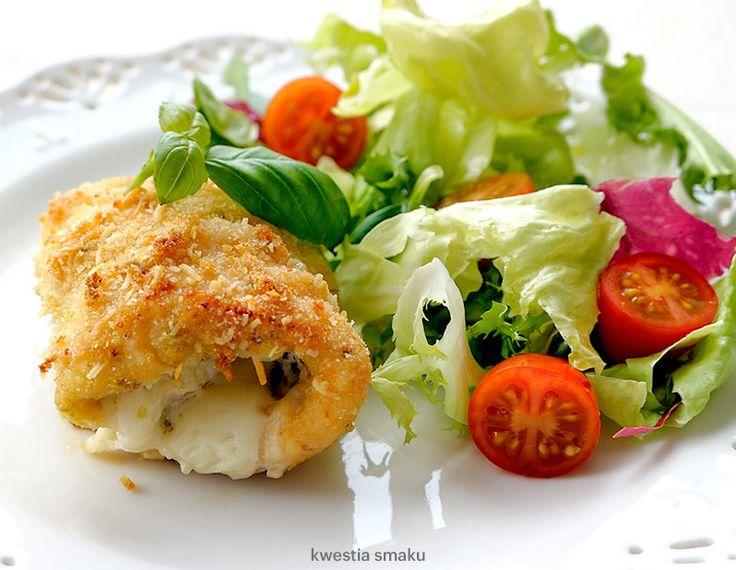 Roladki z kurczaka z pesto, szynką i serem