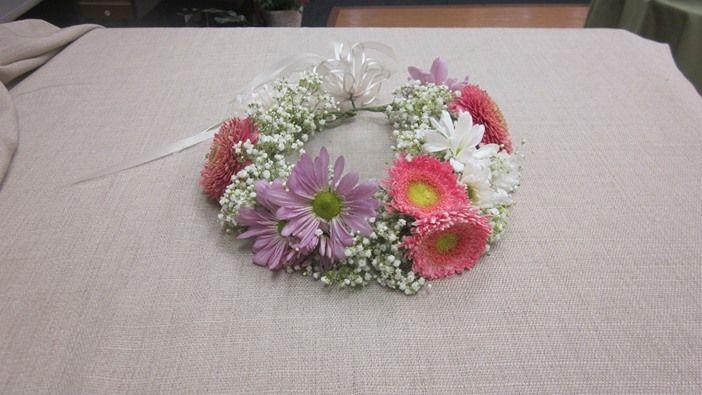 floral crown - babies breath and gerbera  www.bloomsonbuckley.com