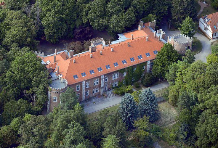 Görcsöny, Benyovszky kastély