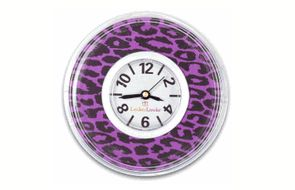 Never be late to class again with this cool clock! This clock has a neat purple leopard clock that will look awesome with the rest of your locker accessories. It also has a super strong magnet, keeping it from falling!