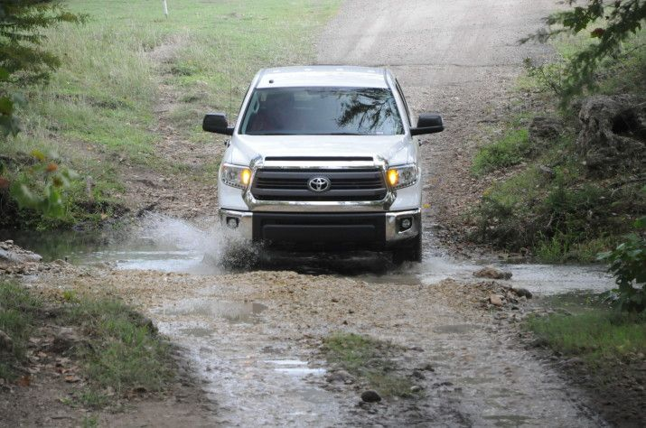 how to change chock absorbers on a toyota tundra 2010