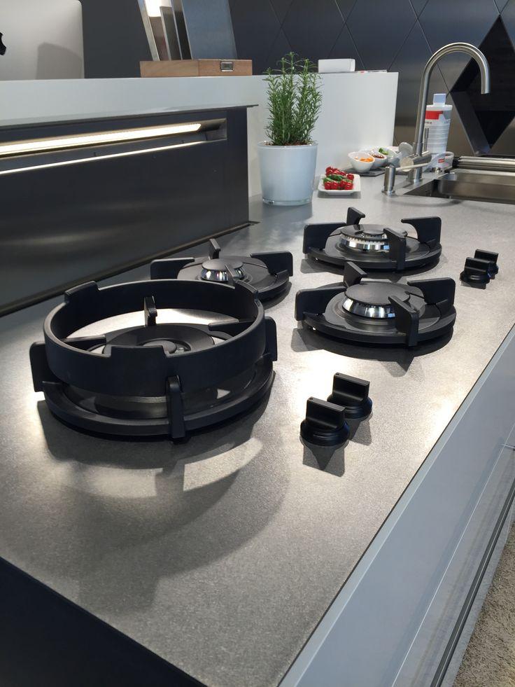 RVS werkblad super dun en stijlvol om in de Industriële stijl toe te passen.