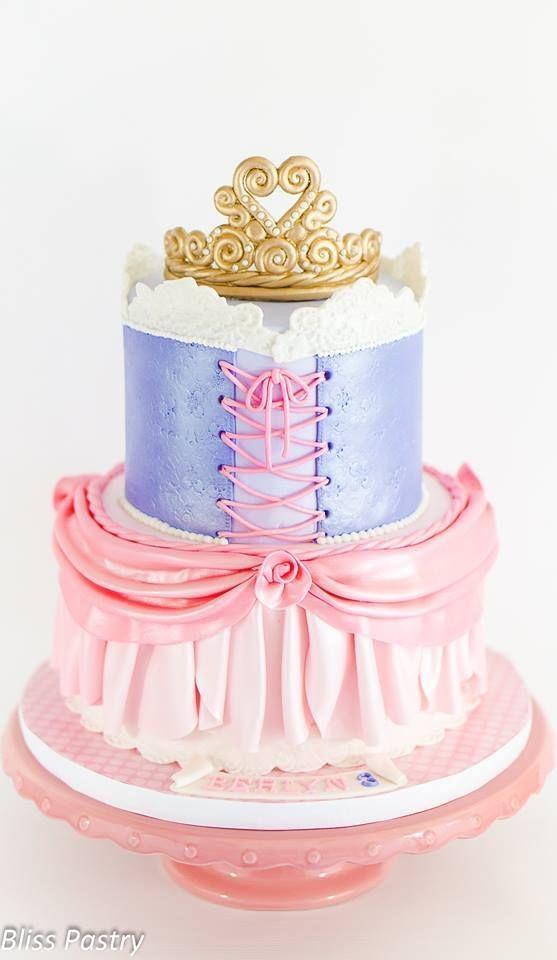 Princess Birthday Cake Images 2018 : Best 20+ Fondant crown ideas on Pinterest Fondant ...