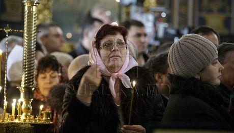 Creştinii ortodocşi sărbătoresc Buna Vestire. Ce se întâmplă în această zi şi ce fac enoriaşii