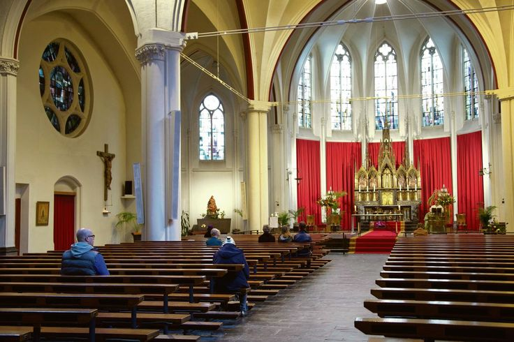Fewer and fewer people go to the church in the Netherlands. 59% of the Dutch population have never been to a church. People are more busy with other things or find different ways to solve problems.