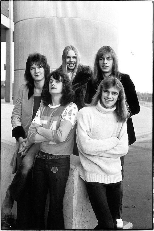 Yes. That's why they never appeared on their album covers: they´re all so damn ugly! Chris Squire, Jon Anderson, Rick Wakeman, Steve Howe, Alan White