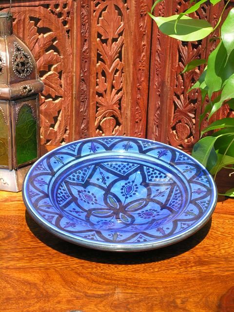 Small plate in a traditional Moroccan blue pattern. http://www.maroque.co.uk/showitem.aspx?id=ENT00035&s=30-20-003
