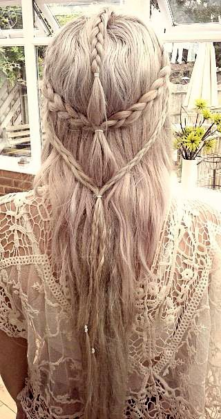 Beautiful Elven Hairstyle. I don't know if I would actually try this