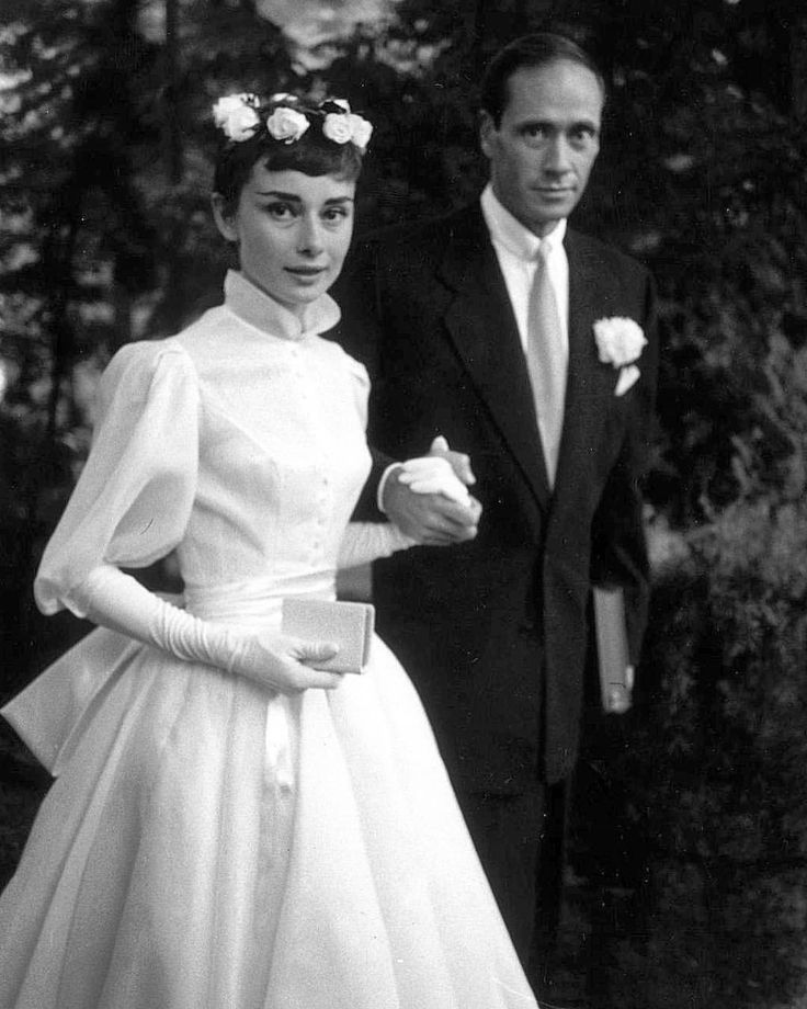 Meghan Mccain Wears Marchesa Wedding Dress: Best 25+ Audrey Hepburn Wedding Dress Ideas On Pinterest