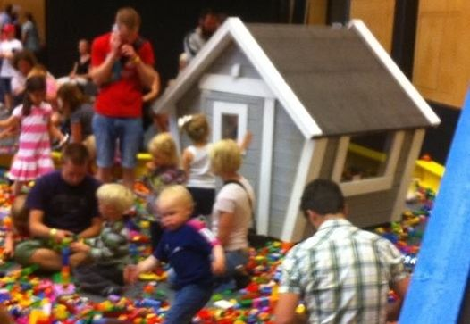 Klossfestivalen största LEGO® event! i Örebro 2015