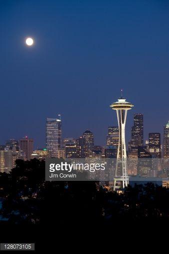 Luna şi Acul Spaţial 49 - Seattle, statul Washington, SUA