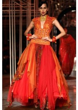 Tarun Tahiliani  collection at the bridal fashion week happening 2013 at Delhi 15
