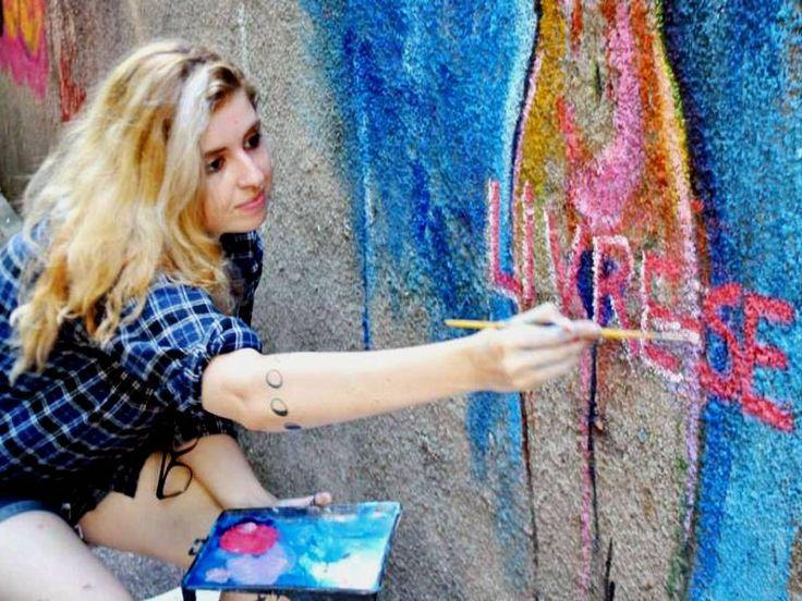 O Grupo Coexistente, coletivo de artistas cariocas, realiza o evento Ocupa Coexistente, que leva artes das mais variadas vertentes à Praça Agripino Grieco, no Méier