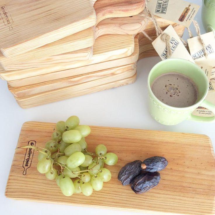 Tábuas de madeira rectangulares disponíveis em 3 tamanhos / #woodboards available at #livingplacesandyou #gradirripas #madeinportugal / #vegan #macaccino