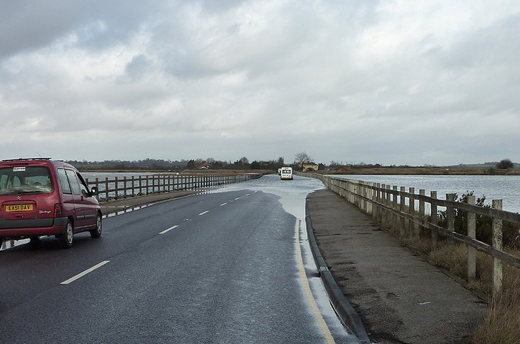 Bridge to Mersea Island Google Image Result for http://www.aylmer.family.name/trails/east/exc/excpix/exstrood.jpg