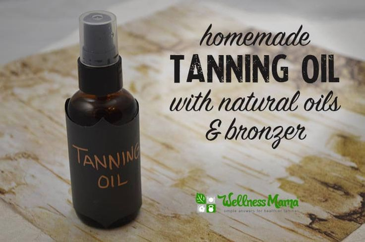 Homemade tanning oil with natural oils and bronzer DIY Sandalwood Tanning Oil