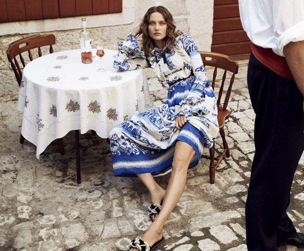Супермодель Кармен Педару (Karmen Pedaru) появилась в декабрьском Harper's Bazaar Australia. Фотографировал ее Сильве Коллесс (Sylve Colless).