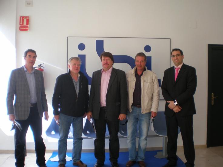 El SEIMED-Centros Empresa Europa de COEPA e IBIAE acompañan a empresarios finlandeses interesados en subcontratar inyección de plástico en Ibi
