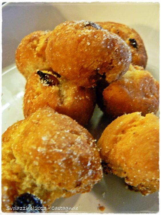 Castagnole al forno!    http://www.svolazzi.it/2013/02/castagnole-al-forno-e-buon-martedi.html