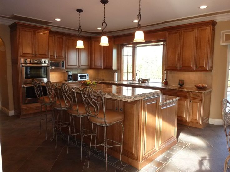 Traditional Kitchen, Stainless Steel Appliances, Granite Counter Tops,  Island Seating, Tile Back