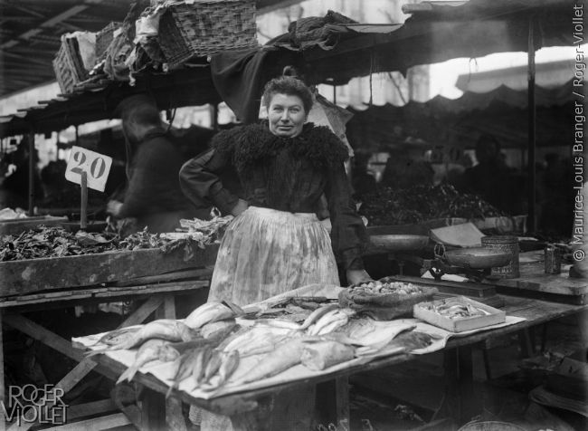 Poissonnière. Paris, 1904-1905.