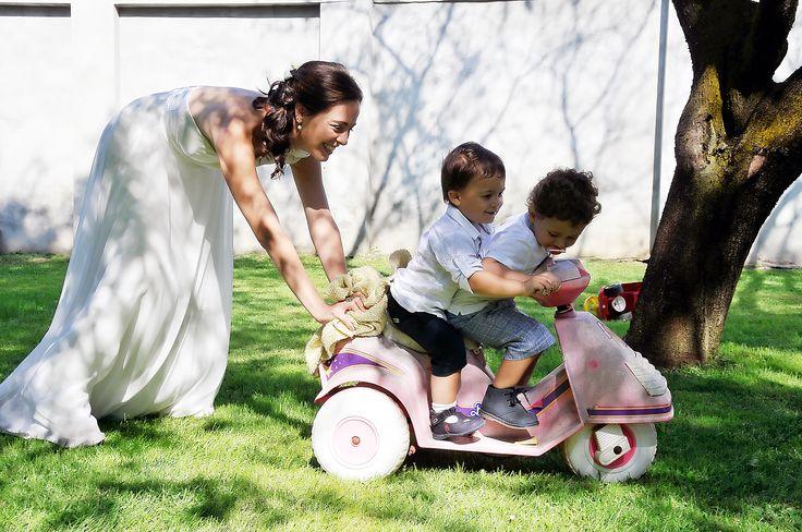 Boutique della Fotografia, Fotografo di Matrimonio a Milano. -Anche se vestita da sposa...la mamma è sempre la mamma