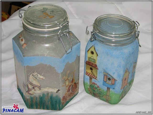Tarros de cristal decorados con servilletas y arenas de colores en los talleres de Manualidades Pinacam www.manualidadespinacam.com    #manualidades #pinacam #arena