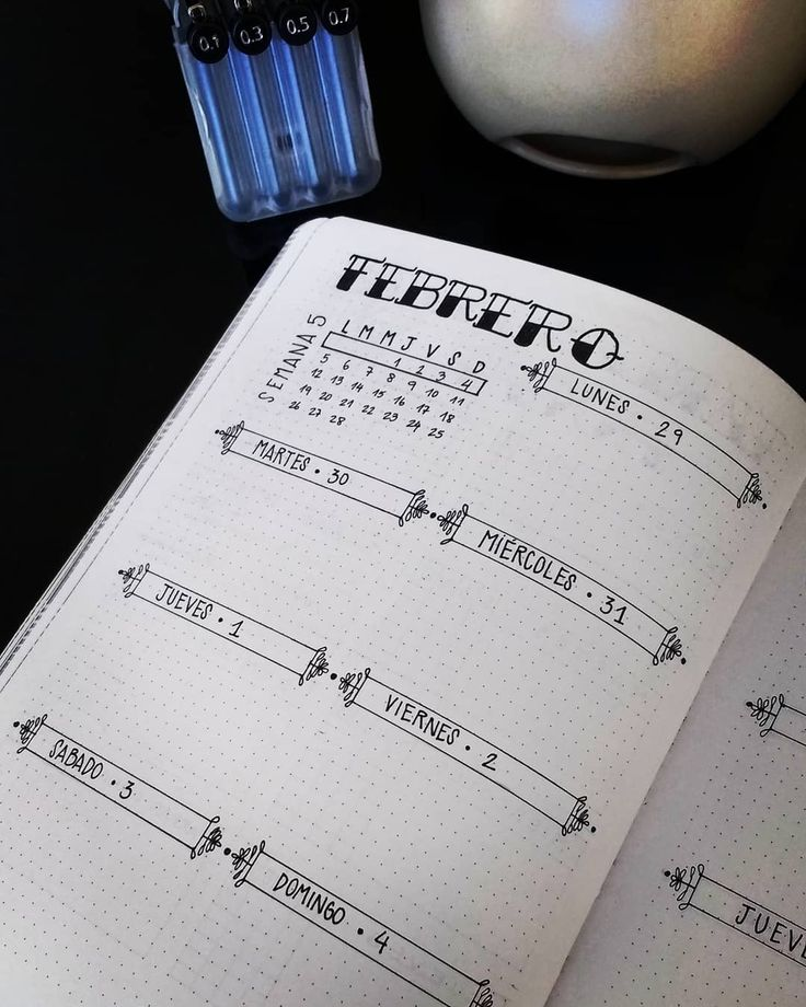Bullet journal weekly layout, unique daily banners, one paged bullet journal weekly layout. | @cro_minimal
