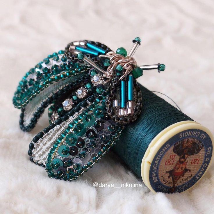 Наконец , нашлось время выложить изумрудного мотылька! Ссылка в bio инстаграмма! И тут @jewerly_by_darya_nikulina можно посмотреть!  #perline #beautiful #beads #broderi #beadwork #beadembroidery #beading #artist #art #perlage #butterfly #girl #jewerlydesign  #beauty #fashion #мотылек #beautiful #instagram #ручнаяработа #butterflies #instagramrussia