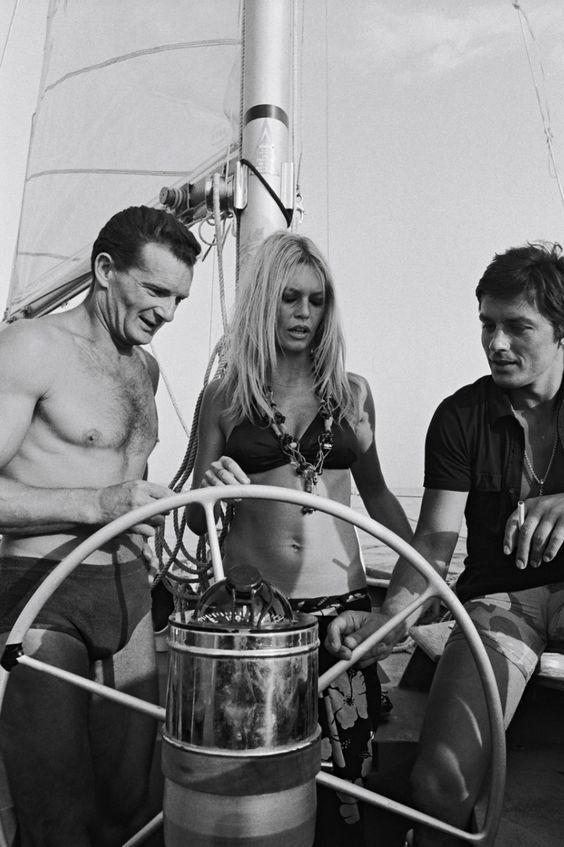 Alain Delon avec Eric Tabarly et Brigitte Bardot 1968