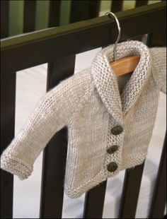 Free & easy knit baby sweater pattern I've been wanting to learn to knit, maybe I'll be able to learn before the next baby shower...