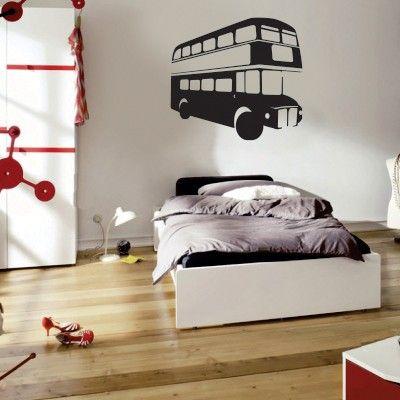 """Adesivo Murale - Il tipico autobus londinese.  Adesivo murale di alta qualità con pellicola opaca di facile installazione. Lo sticker si può applicare su qualsiasi superficie liscia: muro, vetro, legno e plastica.  L'adesivo murale """"Bus Londra"""" è ideale per decorare camera da letto, cameretta e soggiorno. Adesivi Murali."""