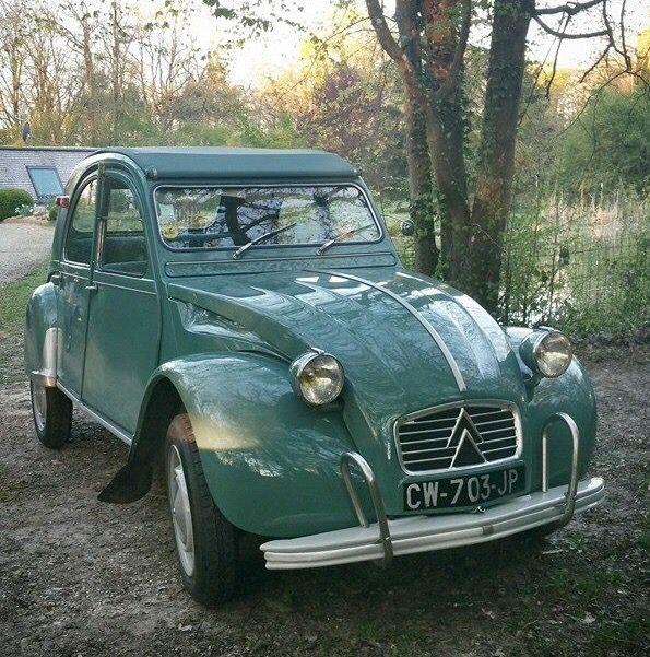 682 best citroen 2cv images on pinterest car horses and for Garage citroen saint remy de provence