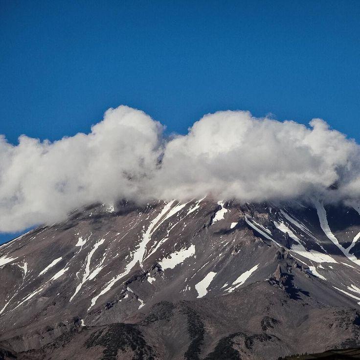 Mount Shasta #mountshasta #mtshasta #california #iphoneonly #nofilter #mountains #clouds