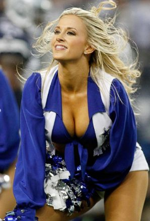 Which dallas cowboy was holly dating