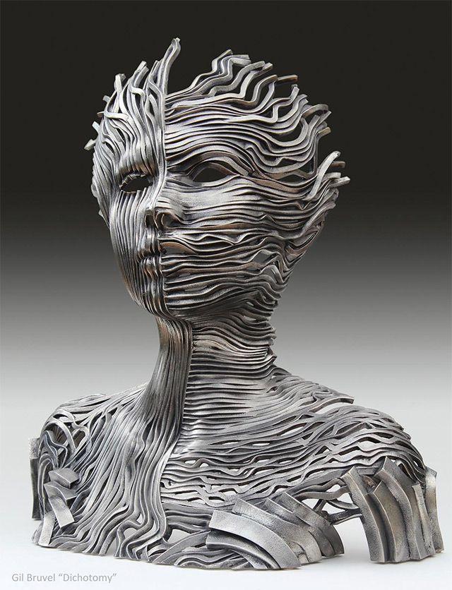 Esculturas feita a partir de faixas de fitas de aço inoxidável, estas esculturas figurativas do artista texano Gil Bruvel.