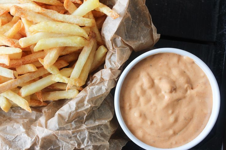 Delicious BBQ whisky sauce/dressing/dip. PERFECT for fries!