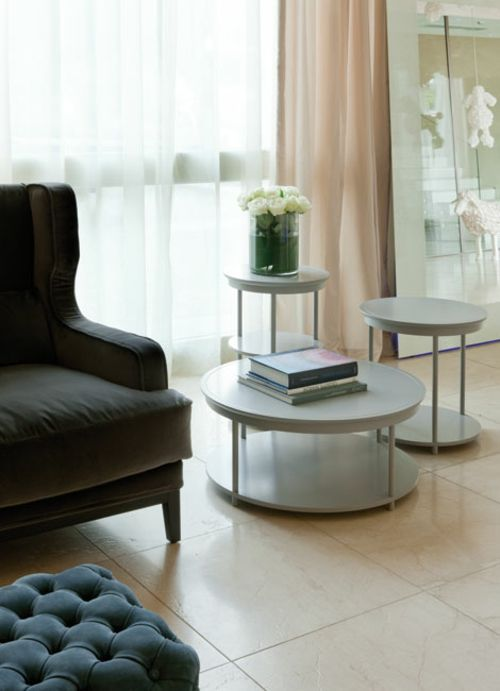 Einrichtungsideen Aus Italien Designer Beistelltisch Im Wohnzimmer