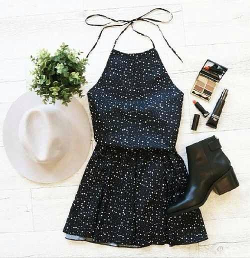 Vestido + Bota + Chapéu = look fofo