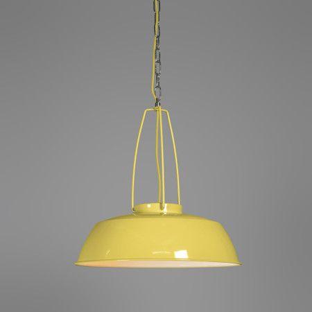 Hanglamp Usine geel - Heel mooi afgewerkte, industriële hanglamp. De kap van de hanglamp heeft een gele kleur. Verder is de binnenzijde van de kap wit van kleur, hierdoor wordt het licht optimaal gereflecteerd.