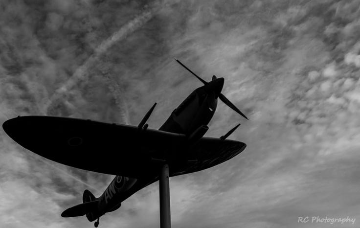 Jackson Park Plane - Windsor, Ontario  Photo: Richard Carson