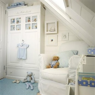 Baby room - turn nto a walk  in closet later - Crib where the camera is at