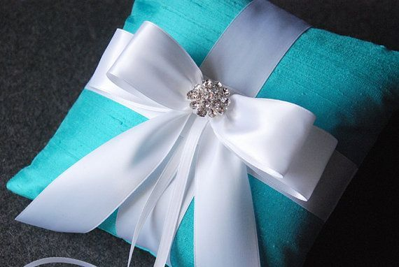 Newly Ring Pillow Elegant Satin Floral Ribbon Ring Bearer Box Wedding Accessory