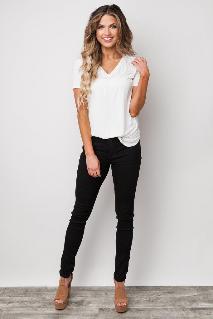The Everything Black Skinny Jeans proves that you can never go wrong with a classic black skinny jean! These jeans are the perfect addition to your year round wardrobe and can easily be dressed up or