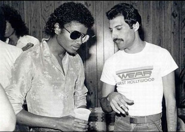 http://www.buzzfeed.com/daves4/the-most-legendary-pictures-ever-taken  Michael Jackson and Freddy Mercury