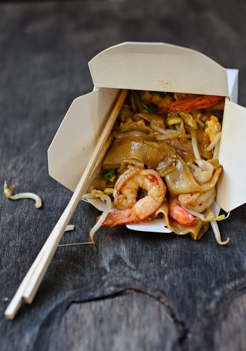 Char-Kway-teow (Fried flat rice noodle)