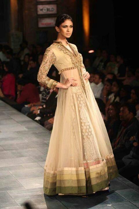 Manish malhotra  Indian woman fashion.