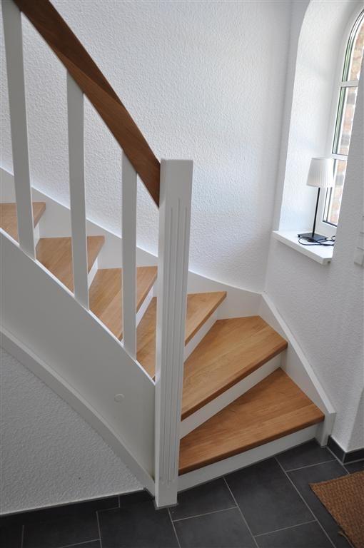 die besten 25 eingang treppe ideen auf pinterest innentreppen kellertreppe und betontreppe. Black Bedroom Furniture Sets. Home Design Ideas