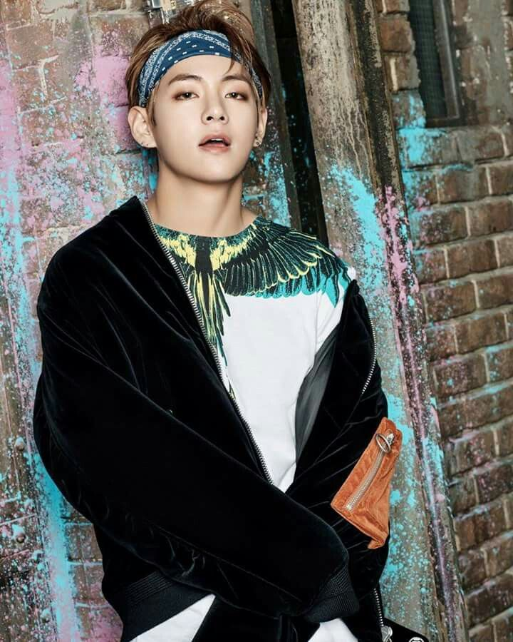 Tae | BTS | Wings | #YOU_NEVER_WALK_ALONE