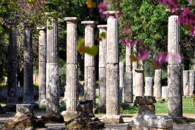 """Don't just visit your each destination – live it like a true """"insider""""! Follow us, The Travel Insiders, in a journey back in time. We design exclusive private tours and bring Greece to your measures with our best price multi-port tours in Greece package!"""
